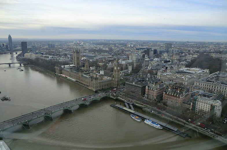 Вид на Вестминстер с London Eye